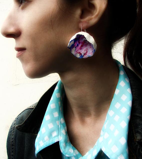 orecchini maxi fatti a mano modello corto,  rosso, blu