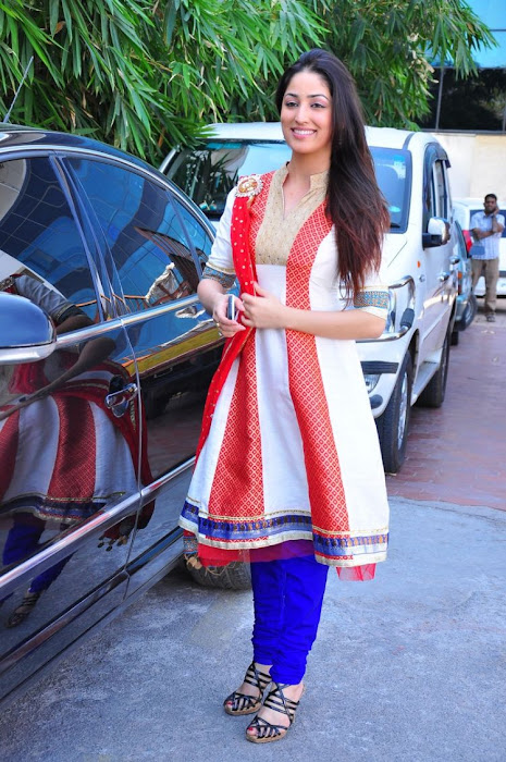 South Indian Girl Yani Gautam in  White & Blue Churidar drama serial