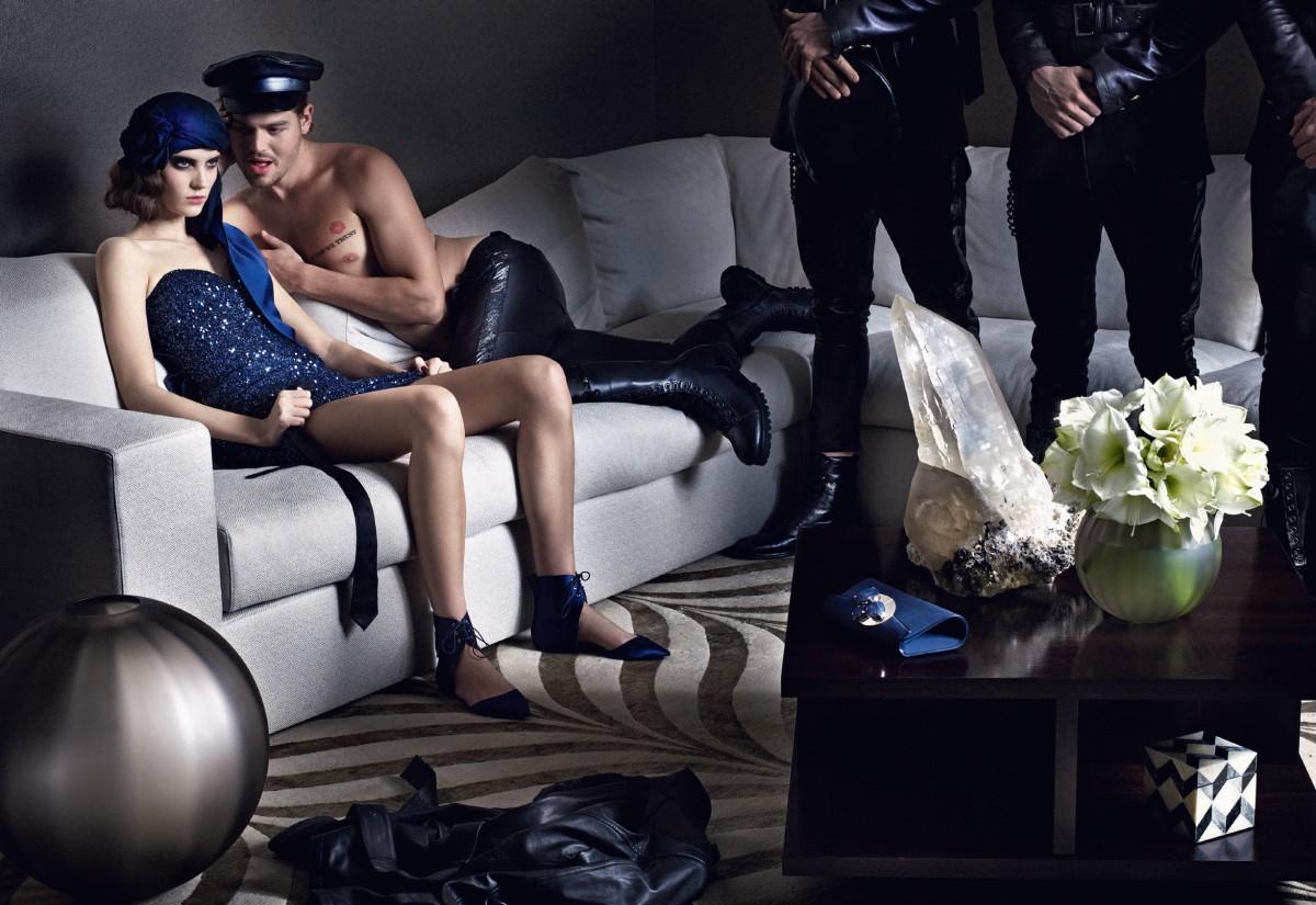 http://4.bp.blogspot.com/-eNBbaKk55eA/TV0Z4Dmh3RI/AAAAAAAAASU/d_ijBrXL66w/s1600/fashion-victims-homotography-9.jpg