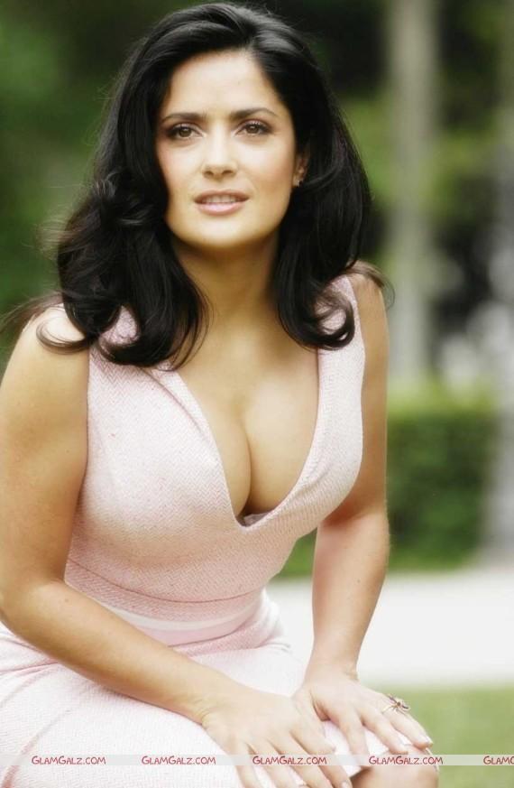 Hollywwod vollbusige Berhmtheit Salma Hayek hei groen