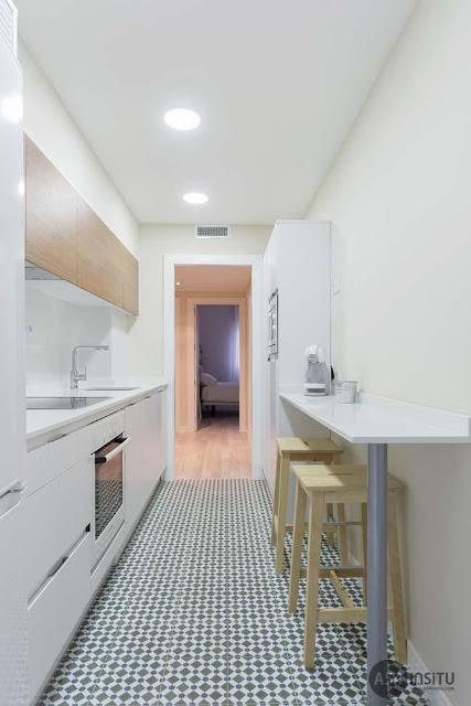 Cómo decorar una cocina alargada