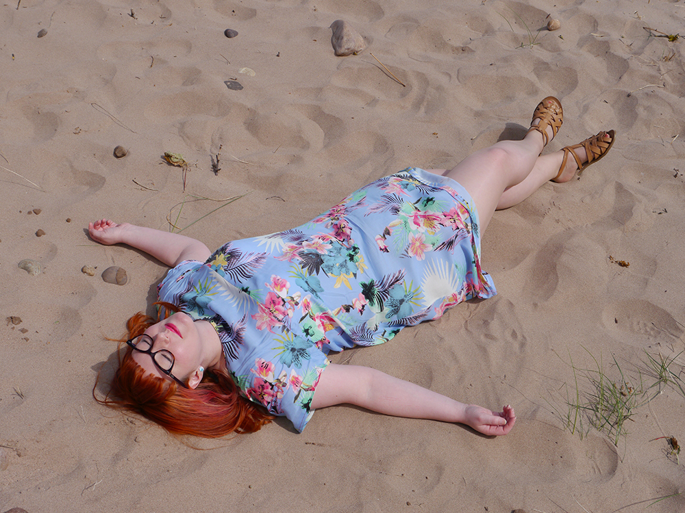 summer style, tropical style, beach style, DIY dress, dressmaking, Styled by Helen: Tropical, red head, ginger, Topshop sandals, Tom Pigeon earrings, sunbathing