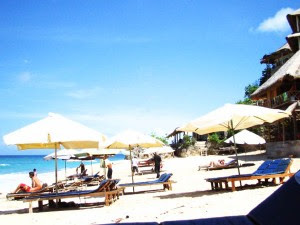 Dreamland Beach Tourist of Bali Pic