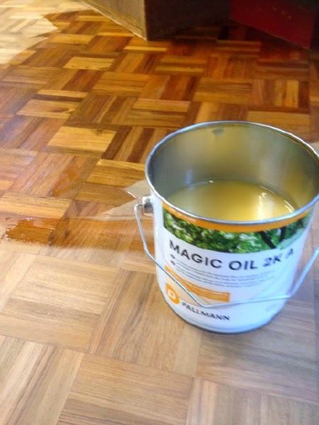 There are benefits in oiling a wood floor