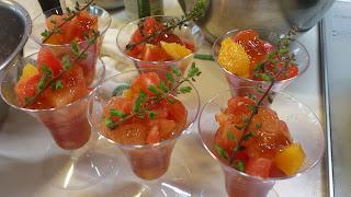 出張料理:トマトとグレープフルーツのマリネ