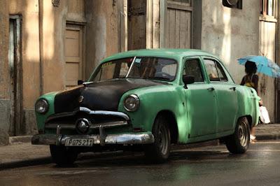 Táxi de Cuba em cena da série - Divulgação