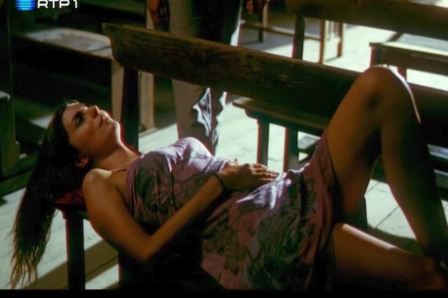"""Joana Seixas em topless no filme """"Águas Mil"""""""