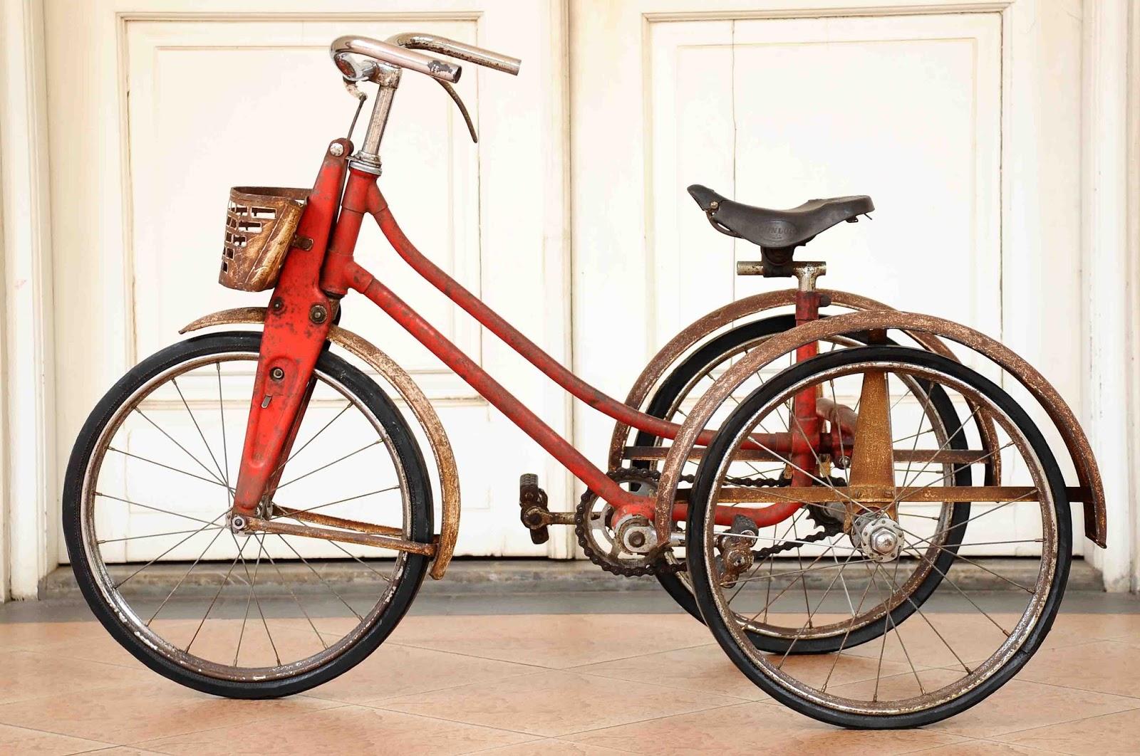 Old Vintage Gallery: Vintage Raleigh Tricycle made in