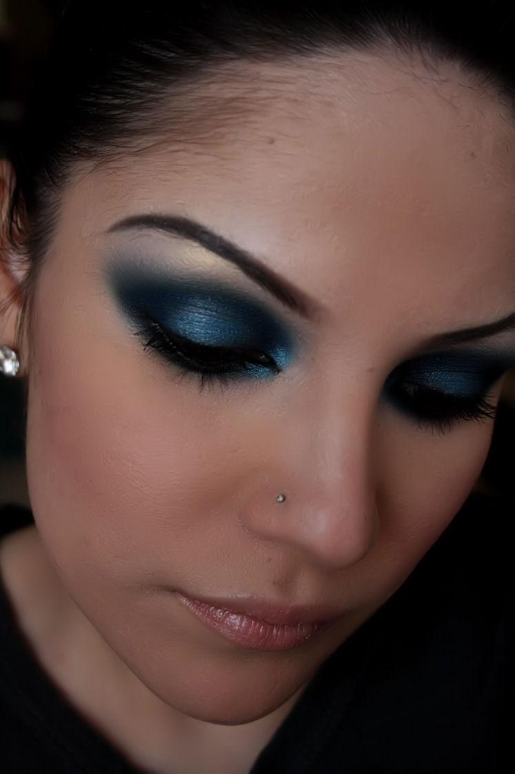 Make-up Artist Me!: midnight blue smokey eye