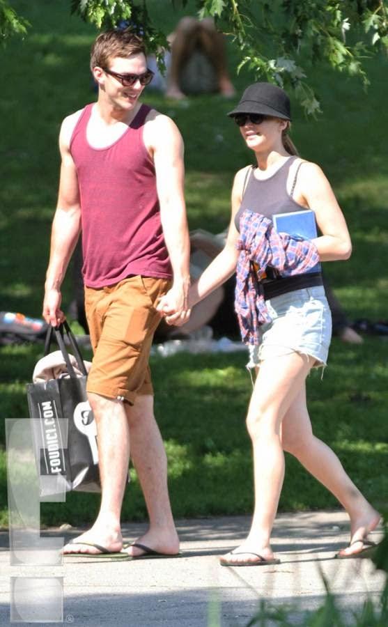 Hot Jennifer Lawrence ...