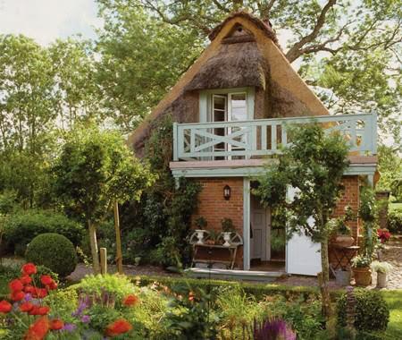 Bellart atelier uma pequena casa de campo na alemanha for Cozy canadian cottage