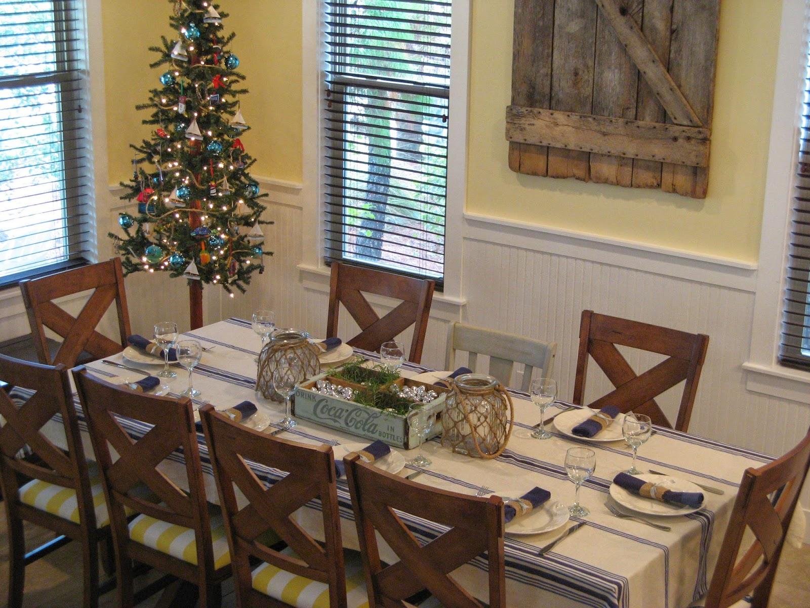 Beach Cottage Christmas - Dining Room Table