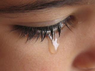 لا تحبس دموعك فحبسها يصيبك بالصداع والتوتر