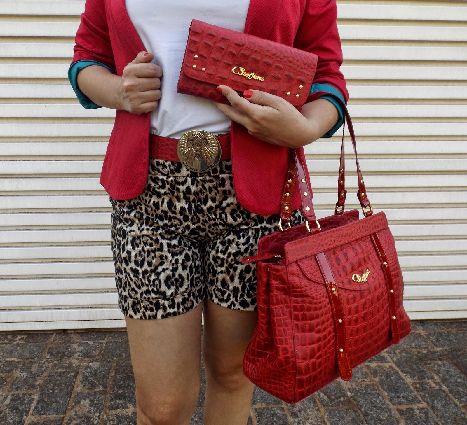 look branco e vermelho, bolsa vermelha, sapato salto médio, sapato nude, calça flare branca, blazer vermelho, como usar, carmen steffens, sapatos versáteis e confortáveis, carmen steffens novos shopping, blog camila andrade, blog de moda de ribeirão preto