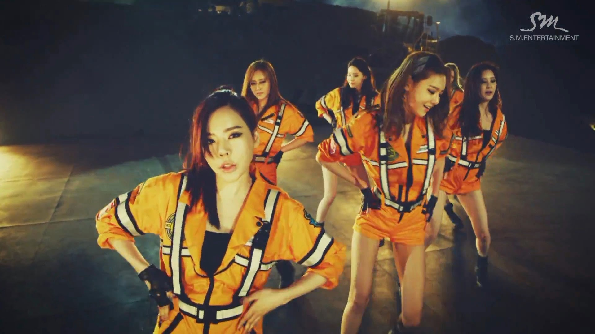 Girls' Generations' Sunny in Catch Me If You Can MV