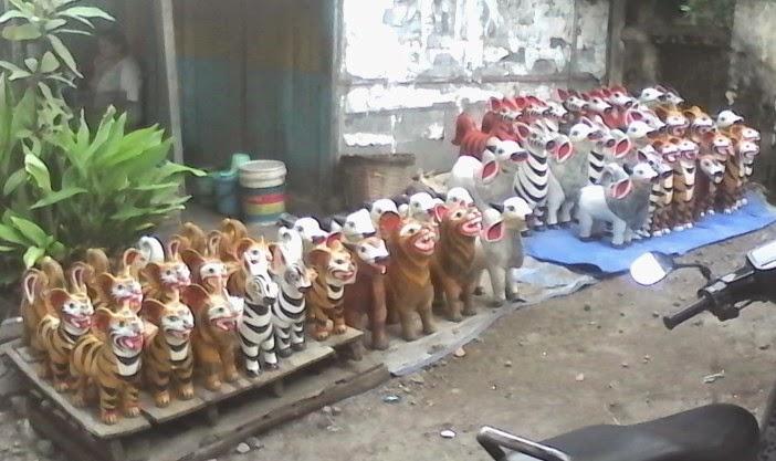 Celengan bentuk binatang gelaran dagangan khas pasar malam cembengan