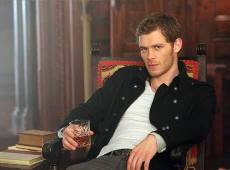 Klaus and hayley hookup