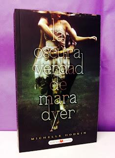 Portada del libro La oscura verdad de Mara Dyer
