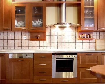 7 hal paling penting saat membuat kitchen set on the for Tukang kitchen set