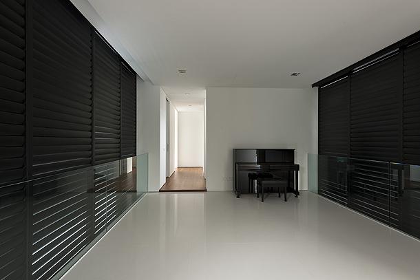 Marzua elegante casa minimalista en singapur proyectada for Casas minimalistas interiores
