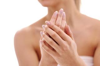 Cara Memutihkan Tangan Dan Kaki Yang Belang Secara Alami