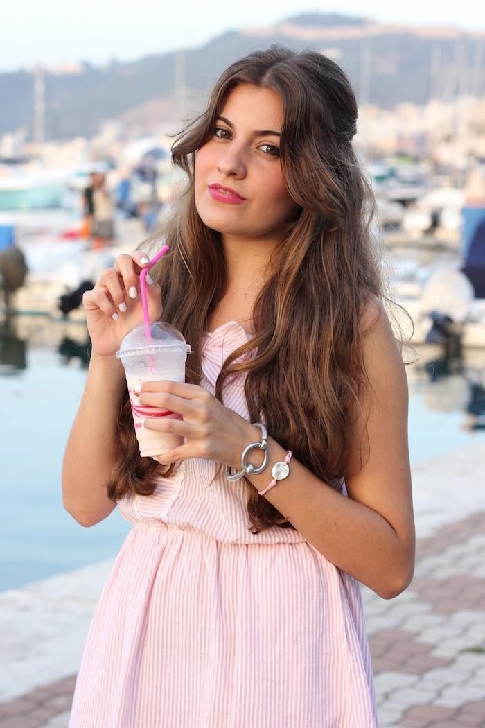 compañia_fantastica_verano_vestido_rosa_pastel_milkshake_batido_fresa_smooy_helado_fotografia_angicupcakes01
