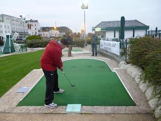 Photo of USA Minigolfer Jon Drexler playing Crazy Golf in Hastings, England
