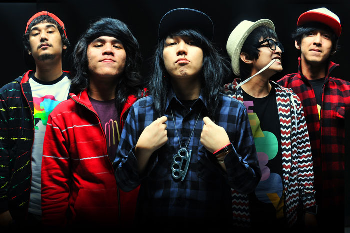 Musik-Id, Download Lagu Pee Wee Gaskin – Dorks Never Say Die, Lirik Lagu Pee Wee Gaskin – Dorks Never Say Die, Song Lyrics