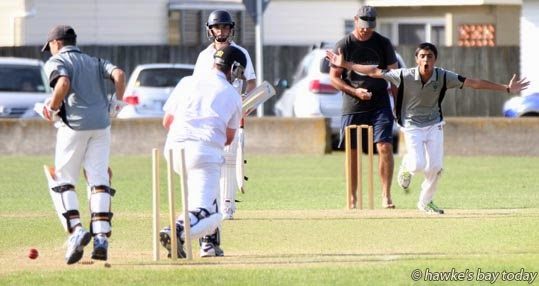 Arnie Heyer, Hastings Junior Reps, bowls Tom McDonald, North City, Wellington, at a year 7 and 8 cricket tournament at Nelson Park, Napier. photograph