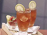 Es Teh Stroberi (Iced Strawberry Tea)