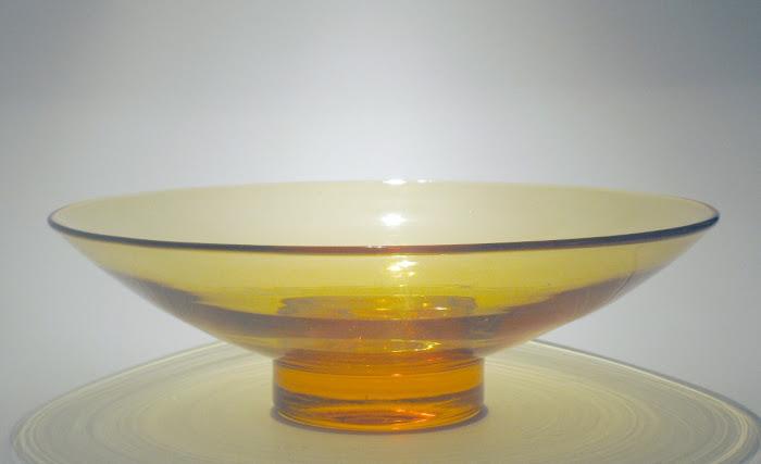 'Lotus' Bowl on Solid Foot pat. 9019