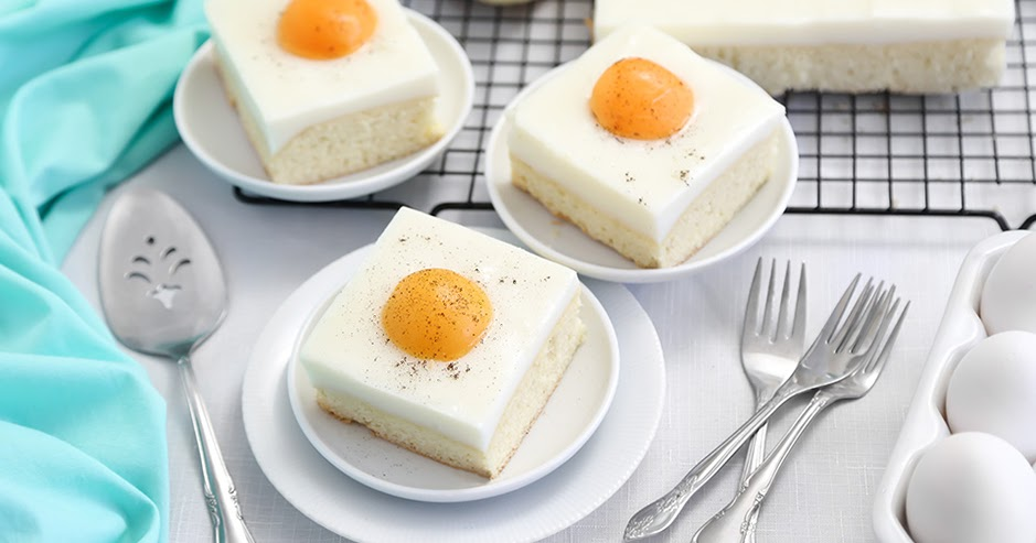 German Fried Egg Cake (Spiegeleierkuchen)