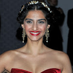 Sonam Kapoor Sexy In Red At Cannes 2012.
