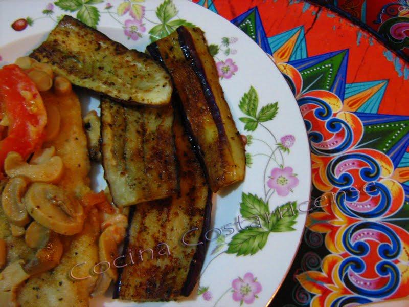 Cocina costarricense berenjena a la plancha for Como cocinar la berenjena