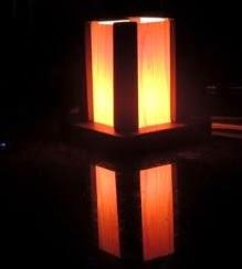 http://www.todomanualidades.net/2014/08/como-hacer-lampara-madera/