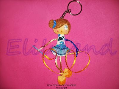 Mini-Elily Muñeca Llavero Gimnasta Rítmica Cinta