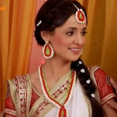 Khushi and Arnav Latest Haldi images