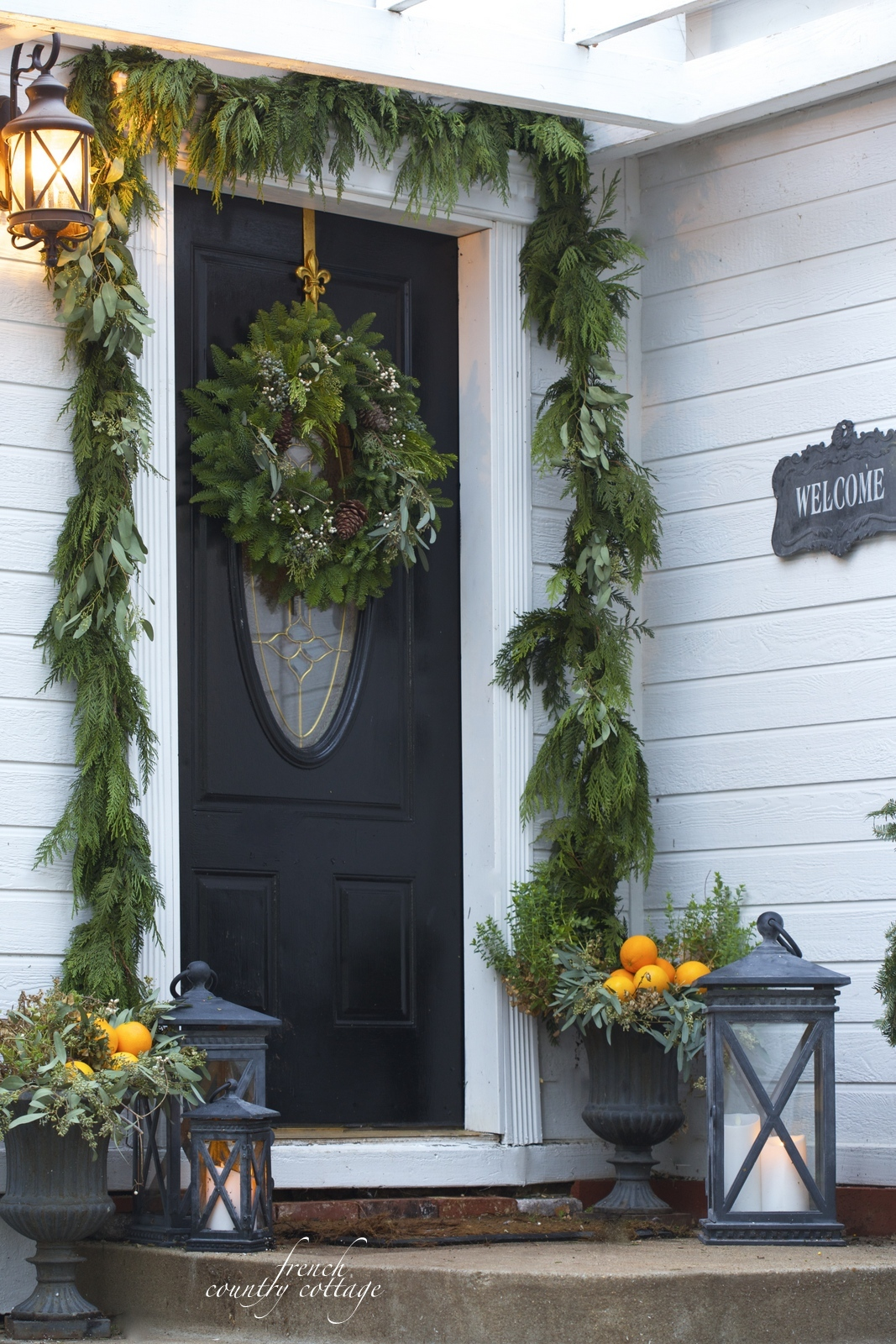 Home for the holidays 4 ideas for simple front door for Front door decor