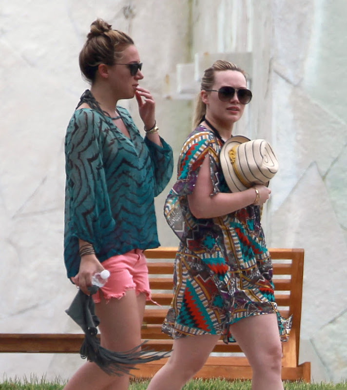 celebrity sisters Hilary and Haylie Duff on Vacation in Mexico 2012