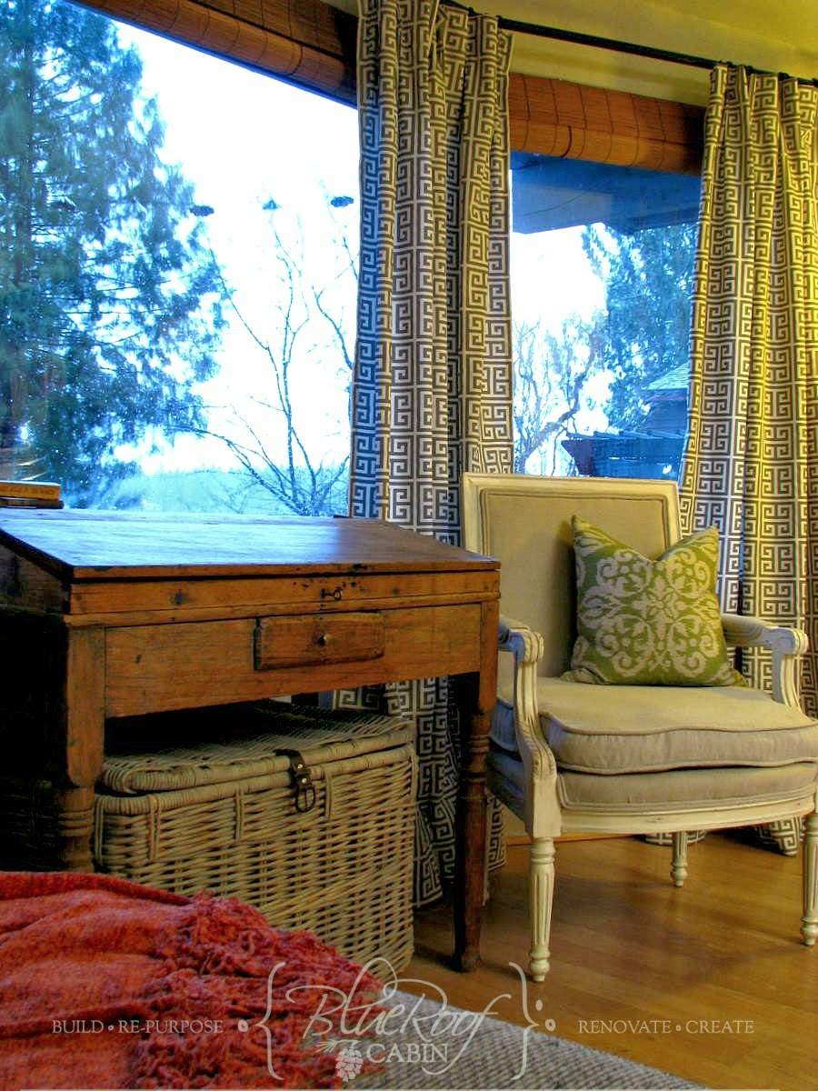blue roof cabin: How to Make Easy Pleated Curtains, tutorial