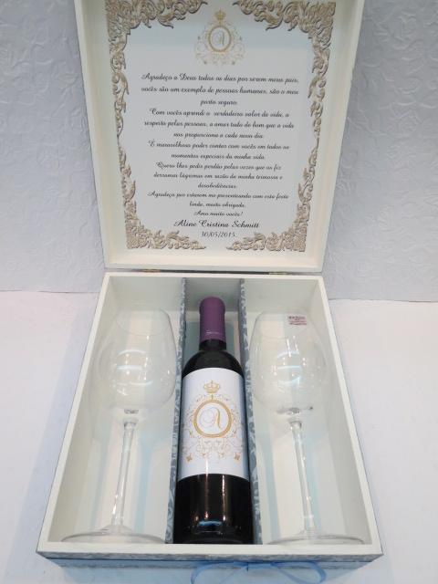 Caixa Mini Vinho e Taças