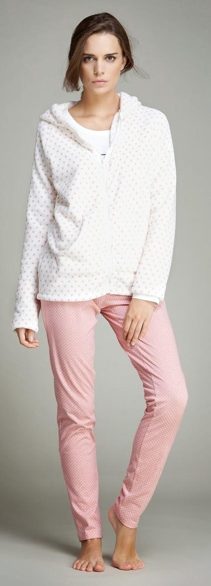 http://womensecret.com/tienda/product-line/lenceria-para-dormir/pijamas/set-de-sudadera-polar-+-pijama-largo-de-algodon-con-estampado-de-oso-panda-4922484
