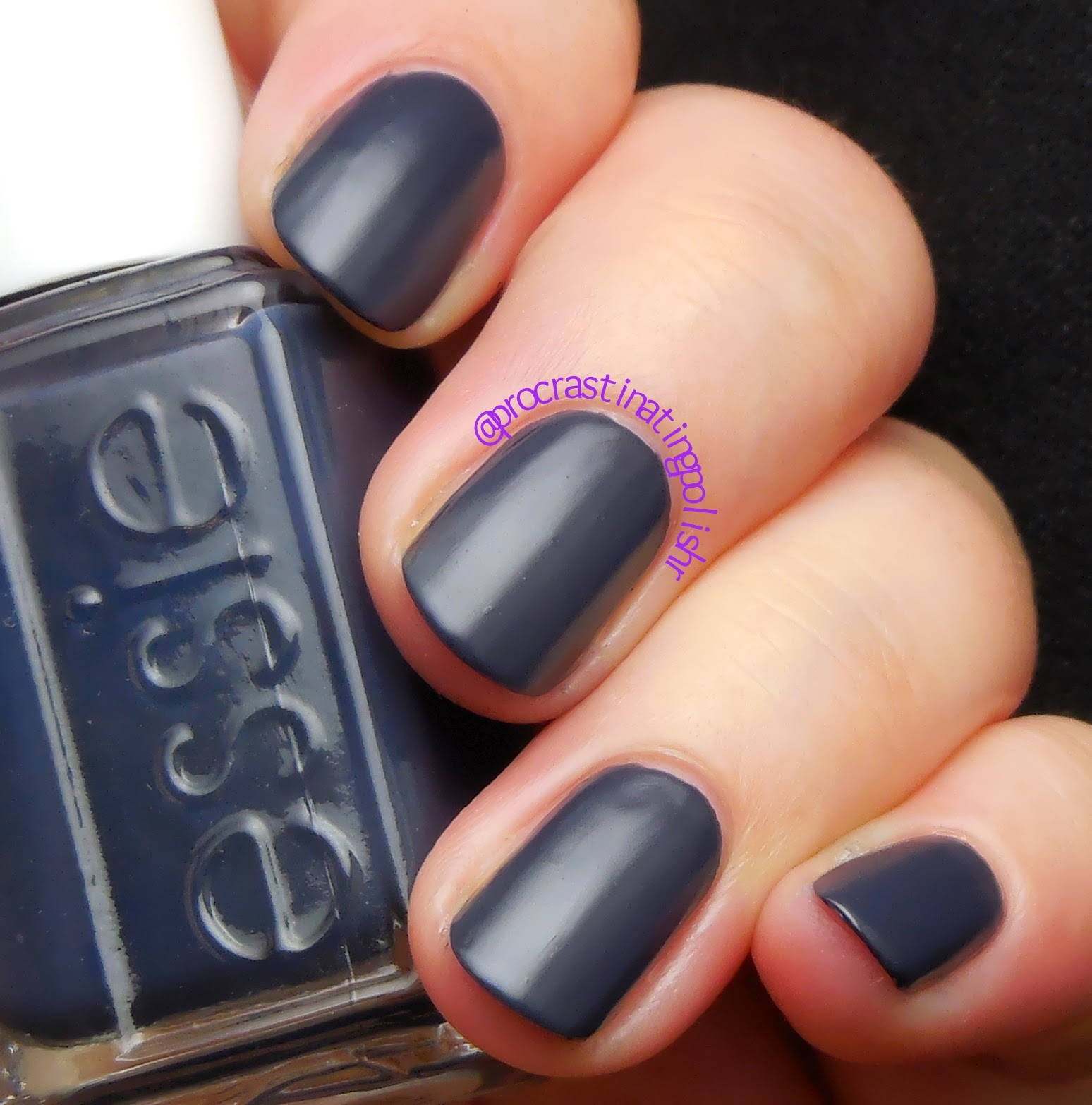 Essie - Bobbing for Baubles