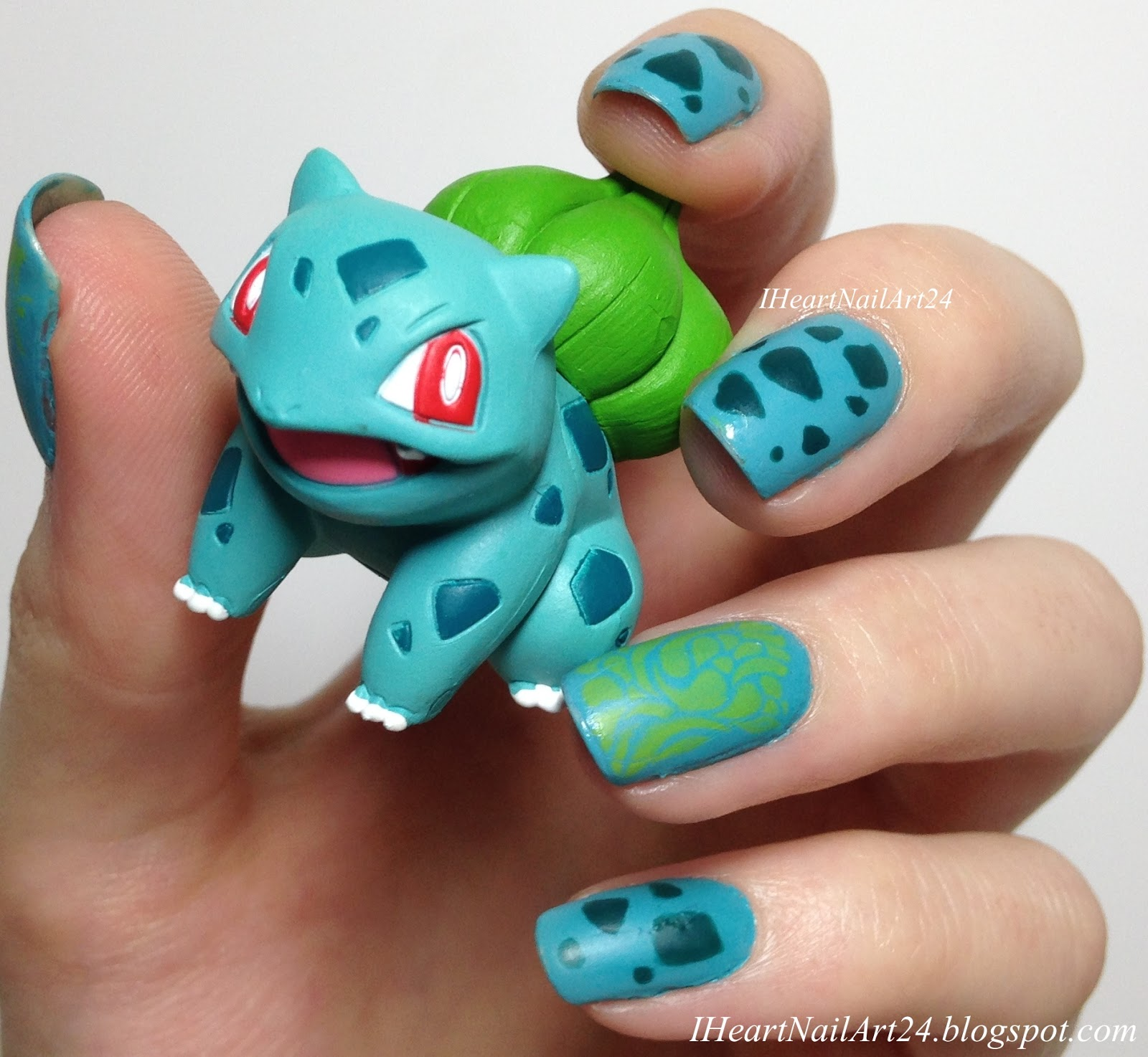 Bulbasaur I Heart Nail Art