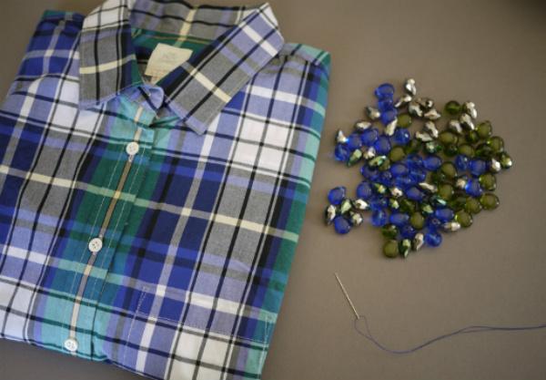 Camisa feminina com pedras
