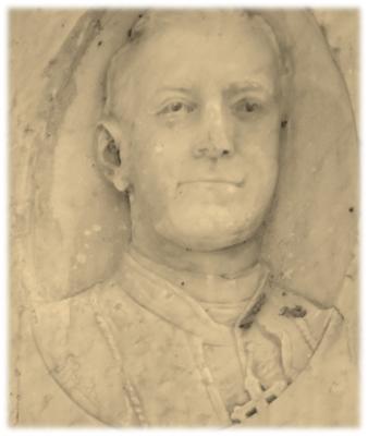 Imagem do Bispo D. Lazagna - na Estátua do Bispo