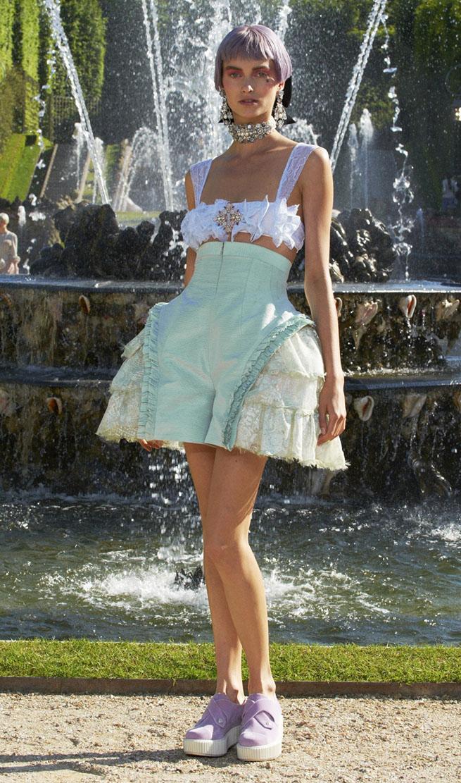 http://4.bp.blogspot.com/-eSQG65t20oU/T_hy-RRWfEI/AAAAAAAAQ5c/caB8DZxA8Lk/s1600/chanel1.jpg