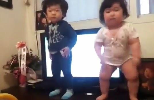 Chubby Korean baby dances the next 'Gangnam Style'