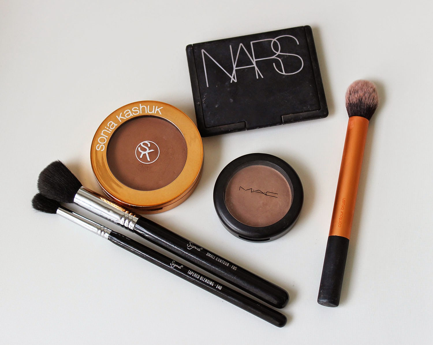 MAC Shaping Powder in Taupe - it's a cool toned brown and great for light skin tones, MAC has other great sculpting powders without the orange tint that you ...
