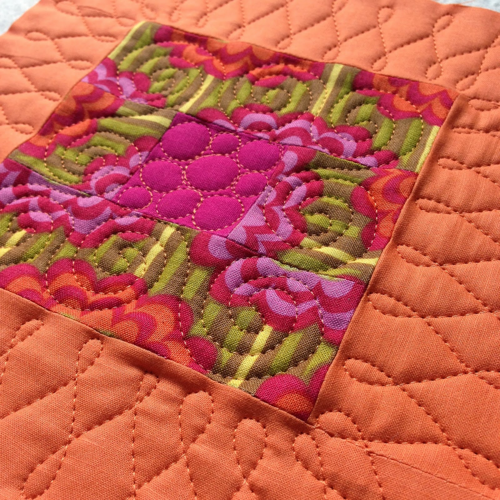 A Few Scraps: FMQ Weekly: Should you Stitch in the Ditch before ... : in the ditch quilting - Adamdwight.com